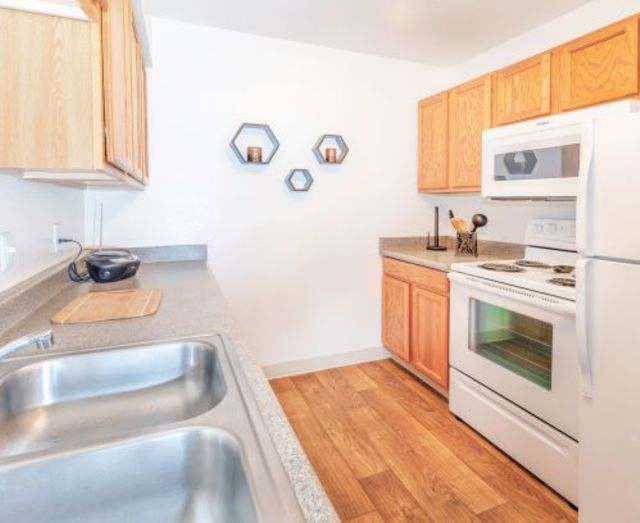 Kitchen Apartments in East Tucson
